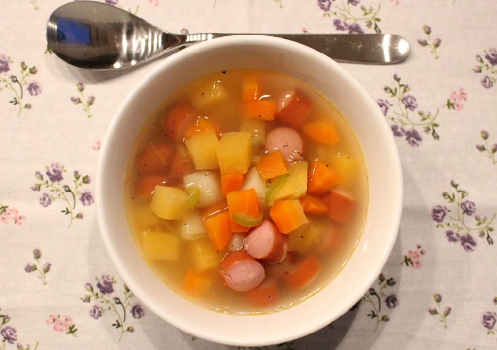 Grønnsakssuppe + Pølsesuppe