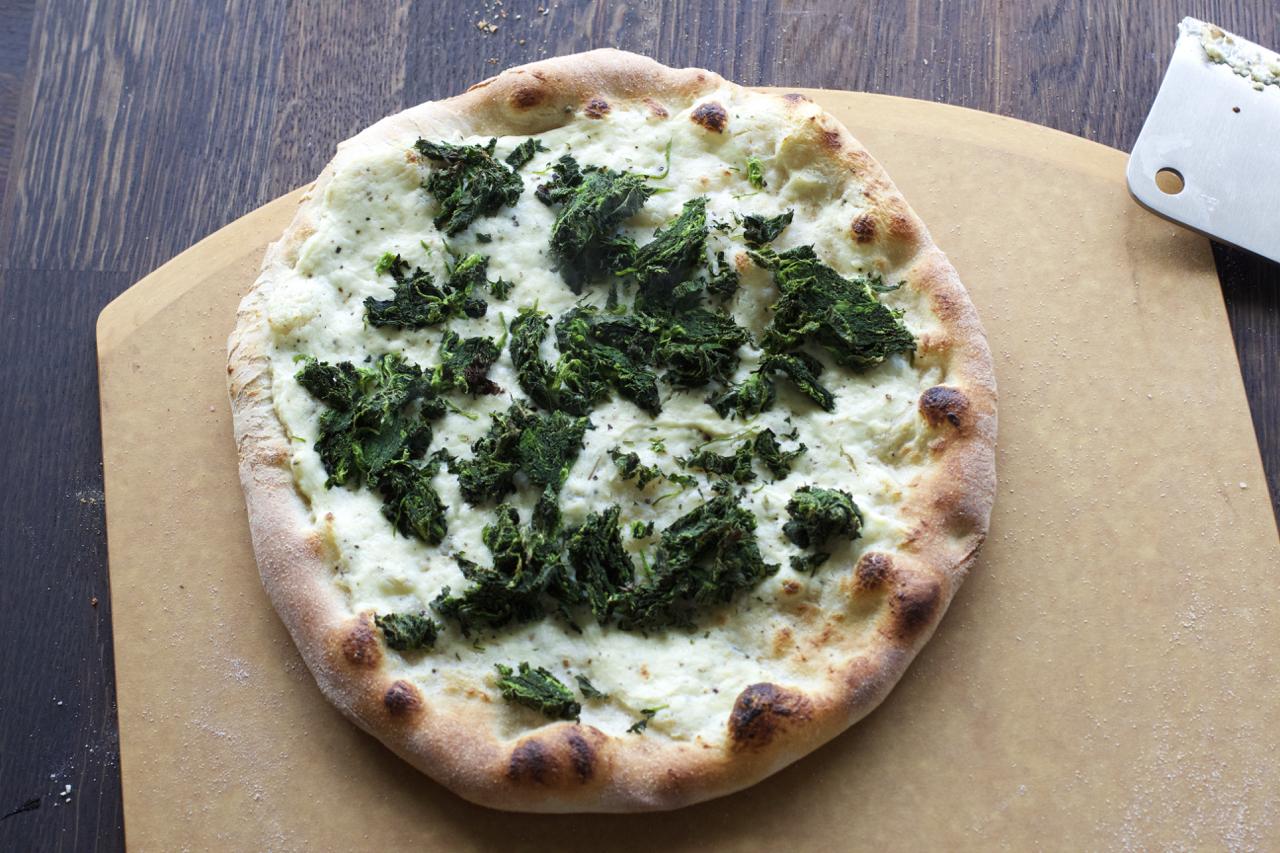 Pizza med brennesle og snøfrisk